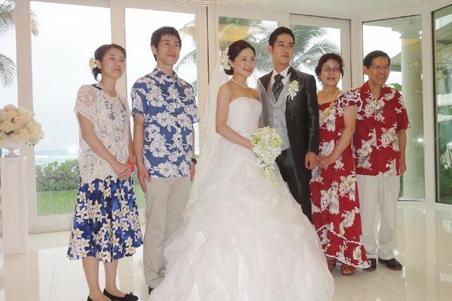 ハワイ結婚式で参列者の服装は?ムームーやアロハシャツはOK