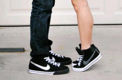 y3ufrv-l-610x610-shoes-nike-shoes-black-grey-nike-black-and-white-cute-girly-girl-check-mark-girls-shoe-white-laces-nikes-women-silver-hightops-nike-sneakers-nike-sportswear-high-top-sneaker-sneake