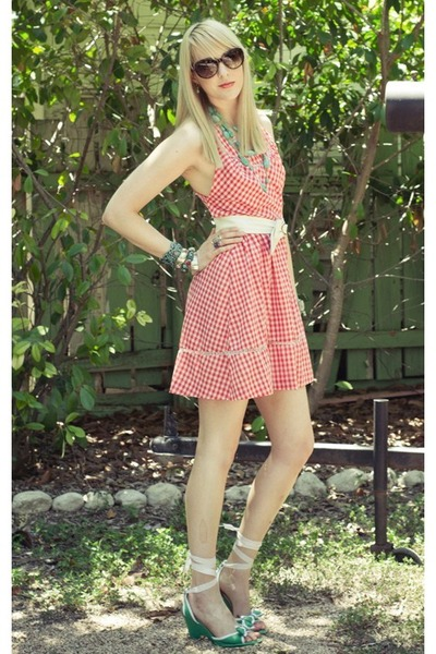red-gingham-vintage-from-ebay-dress-turquoise-blue-forever21-necklace_400