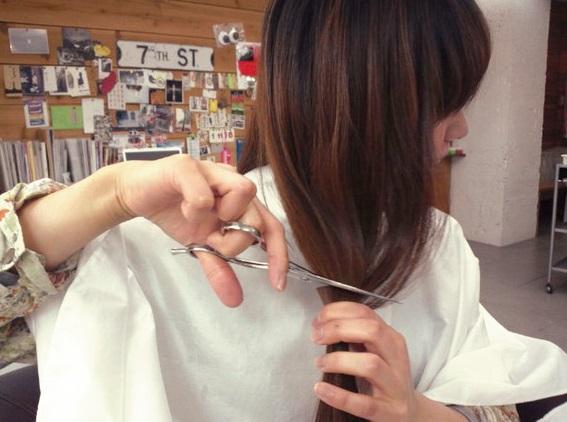 髪の毛 セルフ カット