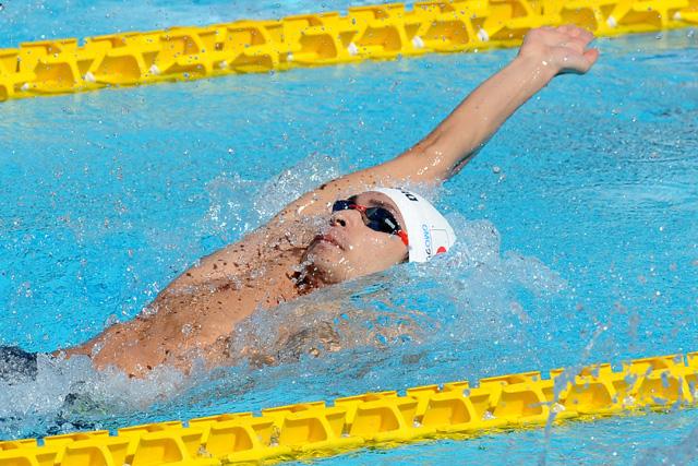 水泳背泳ぎの練習方法、速くなる...